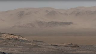 Curiosity Mars Rover Snaps 1.8 Billion-Pixel Panorama (narrated video)